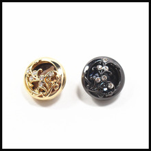 2 pcs,18mm mix  fashion metal acrylic Fur buttons, Mink coat buttons. Rhinestone buttons. big with a diamond buckle.accessory