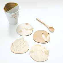 Cat Fox Dog Deer Caved Wooden Cup Pad Coaster Heat Insulated Pad Placemat Tablemat Kitchen Accessories Practical Table Mat