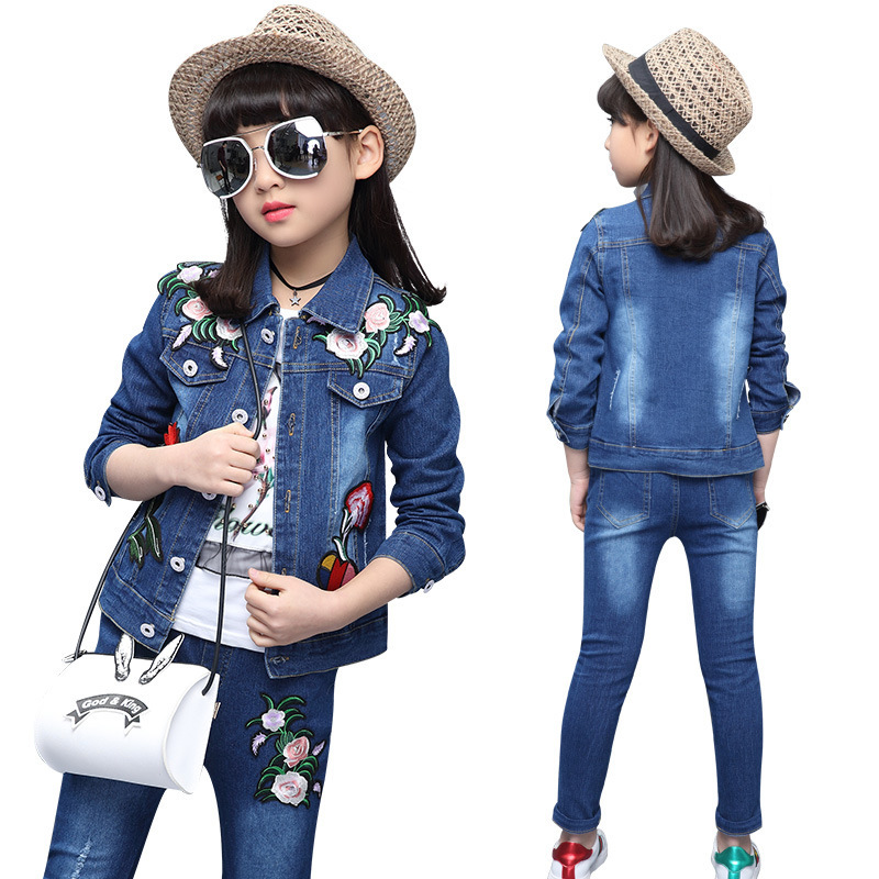 Spring girl cowboy suit 2017 children Korean version of the new five Flower Embroidered cowboy two piece suit girls clothing set<br>