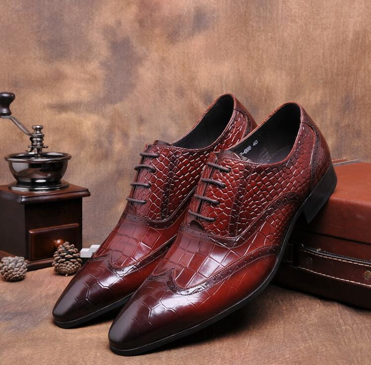 Formal Shoes Genuine Leather Dress Shoes Men Lace Up Carved Brogue Pointed Toes Diamond-type Lattice Plaid Male Smart Casual Luxury Derby Men's Shoes