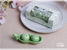 free shipping Bean ceramic salt and pepper shakers wedding favors salt peper shakers wedding gifts Two peas in a pod