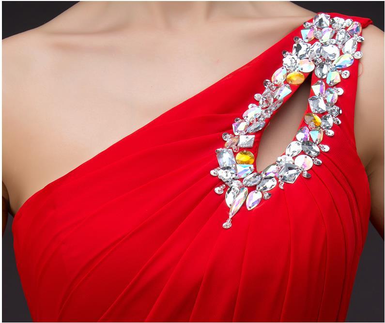 Pidulikud kleidid paljudes värvides