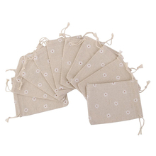 10pcs Natural Linen Jute Burlap Small Simple Sack Pouch Drawstring Gift Bag 10 x 14cm Daisy Flower Jewery Bag Wedding Favor(China)