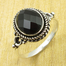 Beautiful Black Onyx Ring Size US 7.5 !  Silver Plated Jewelry BRAND NEW