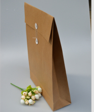 40*28*9cm Large size B4 Kraft file holder paper bag B4 kraft paper newspaper gift document file packaging bag(China)