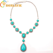 2017 Fashion Luxury Tibetan Silver Plated Green Stone Pendant Necklace Restoring Ancient Way Chain Choker Bib Statement Necklace