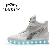 led high top shoes woman casual Flash shoes women flat with ligh up Glowing unisex hot fashion neon basket USB Charge shoes