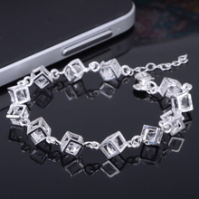2015 hot sell Women Heart Cube Clear Fashion Crystal Bangle Bracelet Jewelry for Best Friends Gift 56FV(China)
