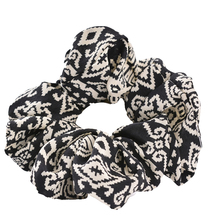 5Pcs/Lot Women Scrunchie 2 Colors 2017 Women Hair Tie Ponytail White Black Hair Holder Rope Fashion Hair Accessories FC004