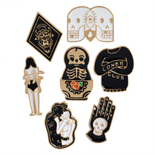 Metal pin button Enamel Evil skull brooch Cartoon Black Bag Denim jacket collar Lapel pin badges Escapulario Fashion jewelry