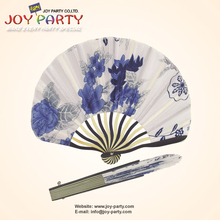 Free Shipping 10 pcs/lot 22*29cm White fabric seashell shaped floral bamboo Hand Fan Wedding Party Promotion favor(China)