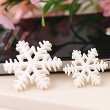 30Pcs DIY Cabochons Flatback Resin Snowflakes Merry Christmas Tree Hanging Decoration