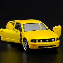 High Simulation Exquisite Collection Toys: KiNSMART Car Styling 2006 Ford Mustang GT 1:38 Alloy Diecast Car Model Fast&Fruious(China)