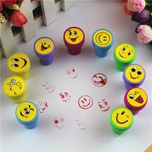 10pcs/set Cute Emoji Smile Silly Face Rubber Stamps Set Multicolor Plastic Rubber Self Inking Stampers Toys Gifts For Kids Draw