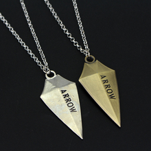 2017 Hot DC Comics Green Arrow Pendants & Necklace High Quality The Arrow Logo 3D Zinc Alloy Chain Geometric Necklace Jewelry(China)