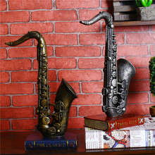 2017 High Quality 3D Miniature Musical Instruments DIY Craft Vintage Cube Horn Trumpet Models Musical Instrument Resin Crafts