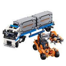 Shipped By DHL 631pcs The Container Trucks and Loaders Building Blocks Enlighten Construction Bricks Children Gifts