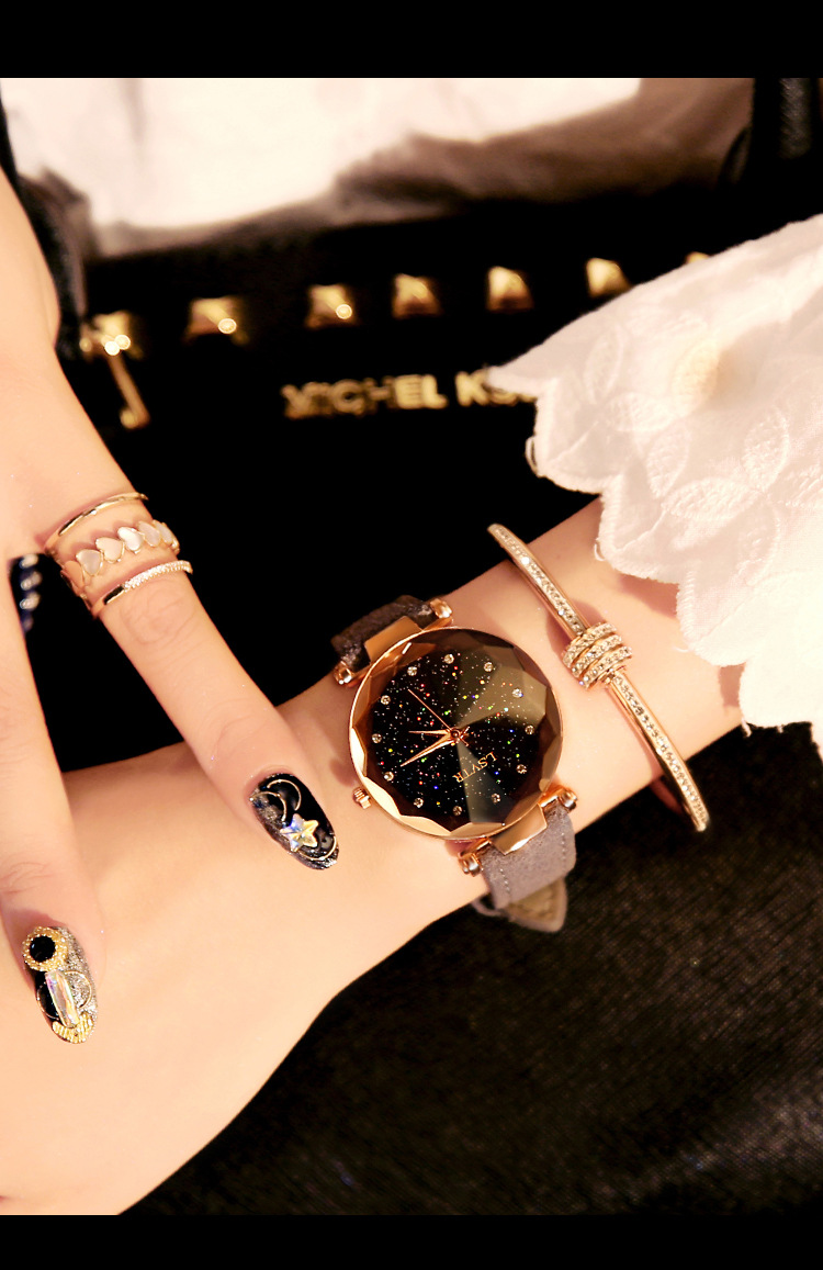 18 Luxury Brand Gogoey Women Watches Personality romantic starry sky Wrist Watch Leather Rhinestone Designer Ladies Red Clock 30
