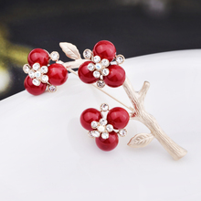 I know how Crystal Brooch female fashion faux pearl brooch brooch lady gift accessories South Korea version