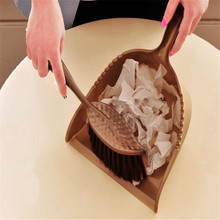Sale 1 piece New Fashion Candy Colors Desktop Cleaning Brush Small Broom, Multi-Function Can Be Sweep Desk Dustpan TRQ160(China)