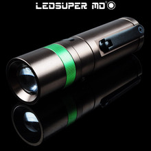 New Product 2015 Zoom Rechargeable LED Manual Electricity Generation Dynamo Flashlight with Car Charger and USB Cable