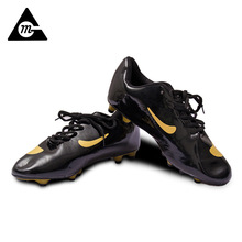 2017 New Football Training Shoes Outdoor Sports Spikes Non Slip Wear Football Shoes Wholesale Manufacturers(China)