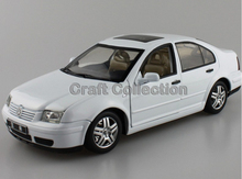 * White 1:18 Volkswagen Old VW Bora Die Cast Model Car Metal Sedan Model Festival Gifts Mini Vehicle