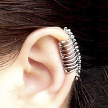European and American fashion jewelry punk style skull spine bone ear clip without pierced ear clip wholesale manufacturers