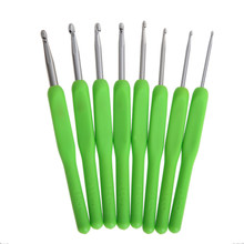 8Pcs 8 Sizes Soft Plastic Green Handle Aluminum Crochet Hooks Knitting Neddles Waeve Craft Ergonomic Grip 2.5-6.0mm