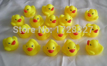 Lovely children's baby infant will call pinch ring swimming duck swimming  toys take a shower