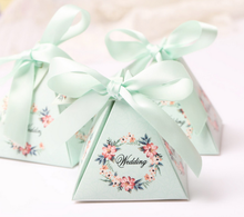 100 x Creative Pink / Purple / Blue Floral Triangular Pyramid Wedding Favors Candy Boxes Bridal Shower Party Paper Gift Box
