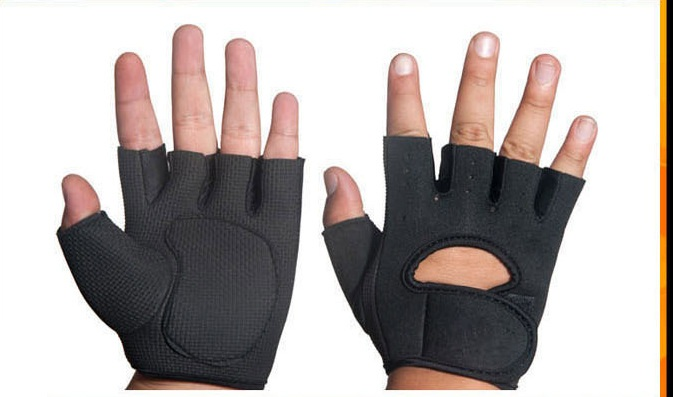 Fitness half finger exercise gloves protect the foot training anti - slip fitness<br>
