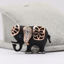 CINDY XIANG 2017 New Product Exquisite Beautiful Black Elephant Brooch Wild Coat Sweater Accessories for Women As Gifts Hot Sale