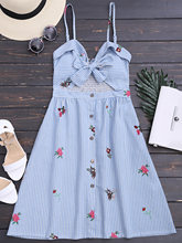ZAFUL 2017 Women Floral Dress New Fashion V Neck Sexy Dresses Spaghetti Striped Cami Dress Bowknot Cut Out Smocked Slip Dress