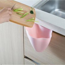 Trash Can 2017 hot sale New Kitchen Cabinet Door Hanging Trash Garbage Bin Can Rubbish Container Dropshipping(China)