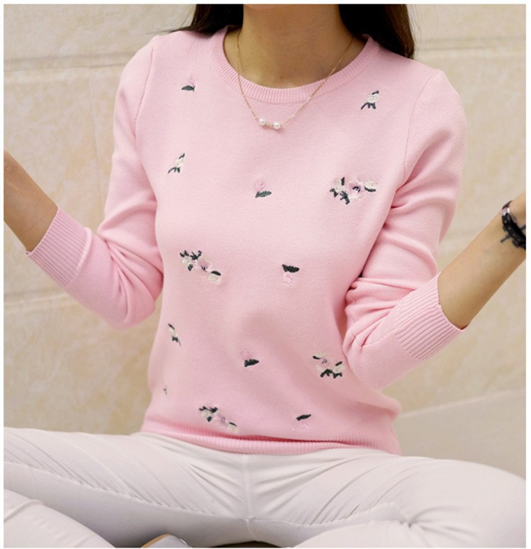 S-3XL New Youth Women's Sweater Autumn Winter 17 Fashion Elegant Peach Embroidery Slim Girl's Knitted Pullover Tops Female 32