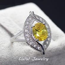 CWWZircons High Quality Ladies Engagement Party Jewelry Luxury Big Oval Citrine Yellow Crystal Rings With Zirconia Stones  R080
