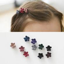 2017 Fashion Hair Accessories Girls Hairpins Small Flowers Gripper Korean Children 4 Claws Plastic Hair Clips Clamp 18 Color