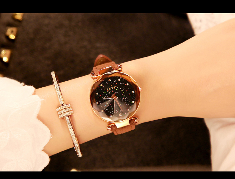 18 Luxury Brand Gogoey Women Watches Personality romantic starry sky Wrist Watch Leather Rhinestone Designer Ladies Red Clock 32