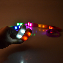 8 Color Cool Vibration Voice Control LED Light Up Silicone Bracelet Glow Flash Unisex Bangle For Party Wholesale
