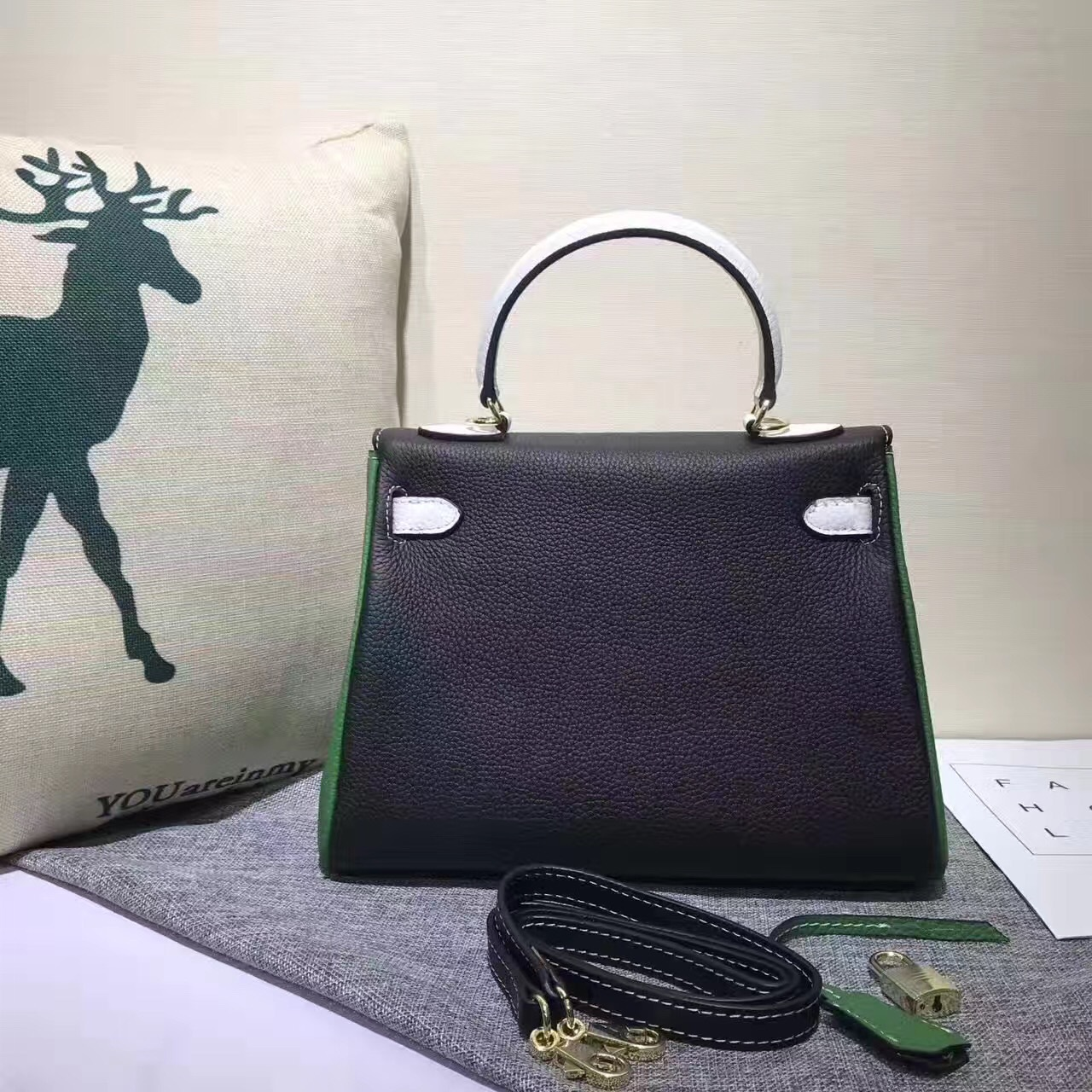 Leather Lady Head Layer Leather Summer 100 Set New Graffiti Collision Color Lock Hand Bag