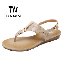 Europe And The United States Style Flat Sandals Texture Clear Clip Toe Buckle Strap Metal Decoration Ladies Summer Casual Shoes