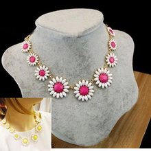 Free Ship 1PC Hot candy color acrylic daisy necklace Yellow Pink flower choker neclace for women party Jewelry Gift