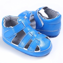 3 Colors Baby Boys Sandals Leisure Fashion Kids Sandals PU Hollow Out Anti-slip Hood And Loop Shoes 2017 Spring Summer(China)