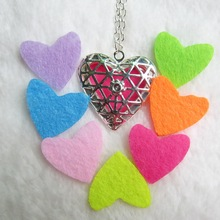 New nice look heart essential oil diffuser locket necklace jewelry with 7pcs colorful felt pad
