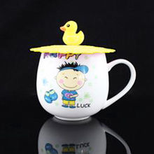 Cute Anti-dust Silicone Cup Cover Coffee Suction Seal Lid Cap Silicone Airtight Love Spoon Novelty