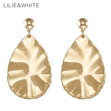 LILIE&WHITE Vintage Golden Leaves Luxury Drop Earrings For Girls Twisted Metal Dangle Earrings For Women Wedding Jewelry HL(China)