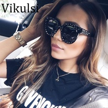 2018 Luxury Italian Brand Sunglasses Women Crystal Square Sunglasses Mirror Retro Full Star Sun Glasses Female Black Grey Shades(China)