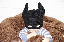 free shipping,Lovely Crochet baby batman hat ,cartoon Baby Halloween Hat ,100% cotton black Batman baby hat caps Photo props(China)