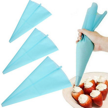 High Quality Silicone Reusable Cream Pastry Icing Bag Piping Bag Cake Decorating Tool cookie cutter(China)